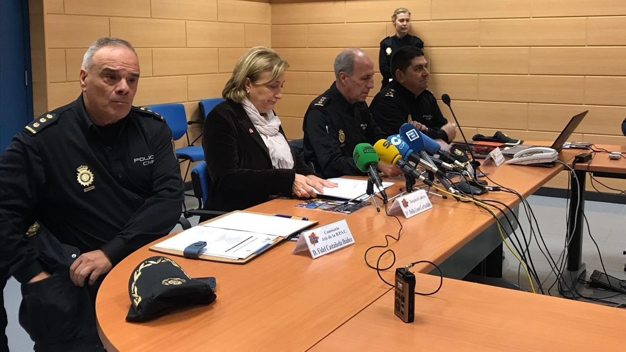 Gol Yoel Barcenas Linares Real Oviedo Reus Carlos Tartiere.Presentación «Plan Comercio Seguro» en Oviedo