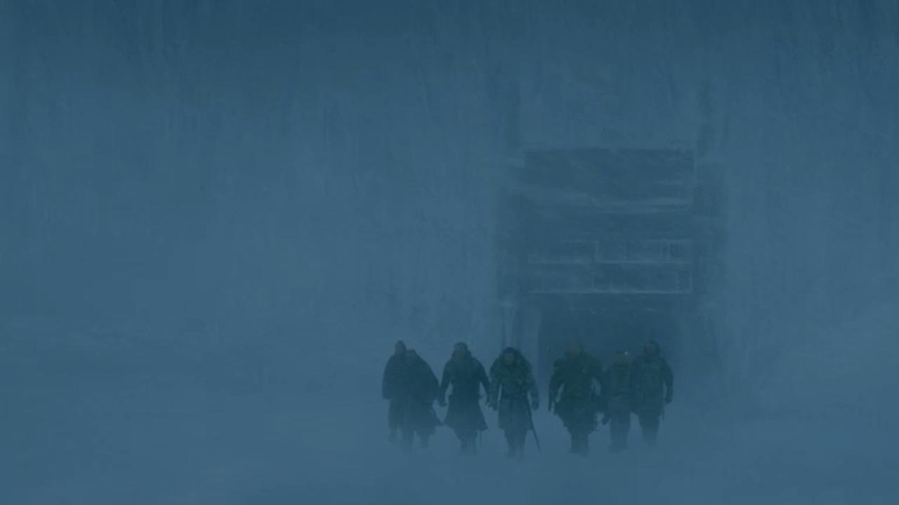 Jon y la Hermandad sin Estandartes cruzan el Muro en el episodio 7x05 de Juego de Tronos
