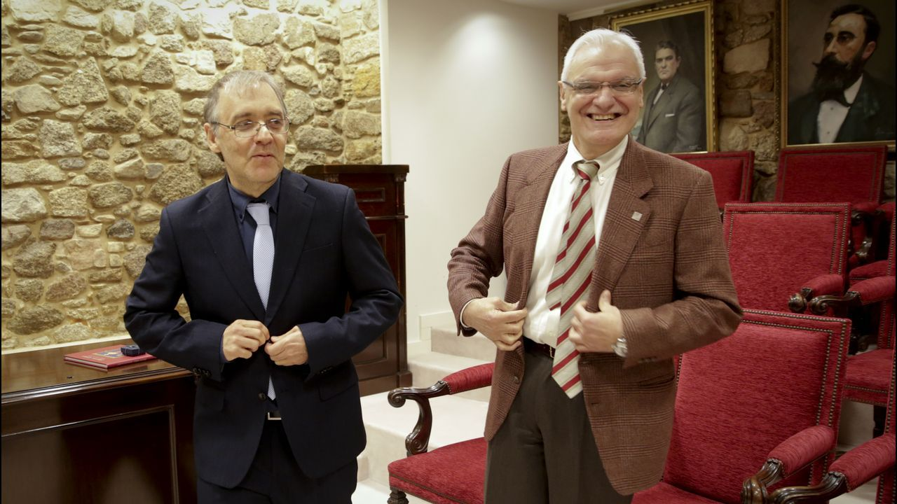 A Mariña en Fitur.Os presidentes das academias galega e brasileira, pouco antes da firma do convenio de colaboración
