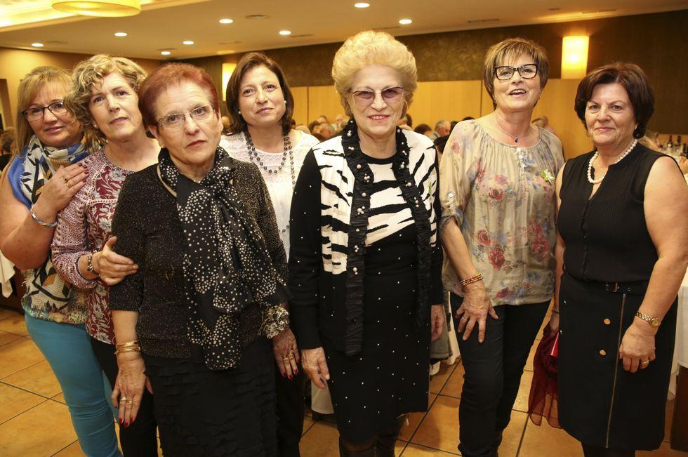 La inclusión llega al castro A Cidá de Borneiro.Más de doscientas personas participaron el sábado en la cena benéfica organizada por las responsables de la asociación contra el cáncer en Coristanco.