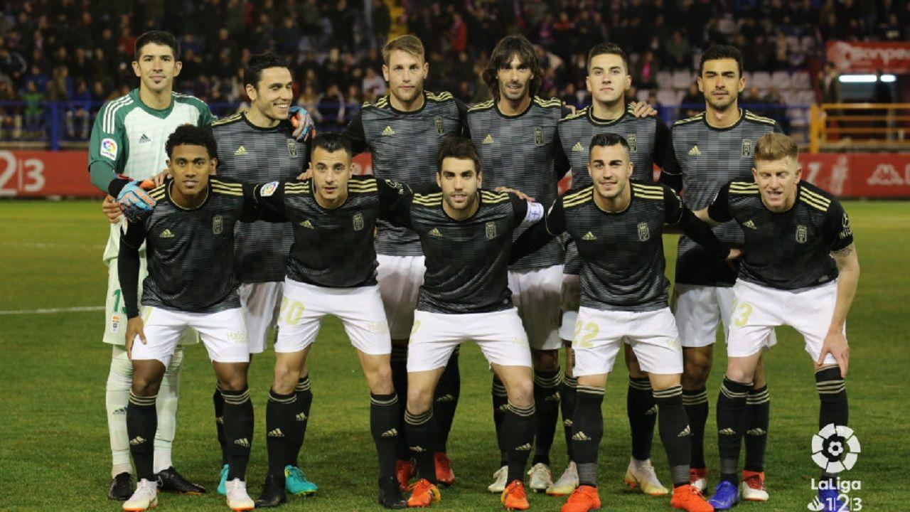 Gol Joselu Extremadura Real Oviedo Francisco de la Hera.Alineación del Real Oviedo ante el Extremadura