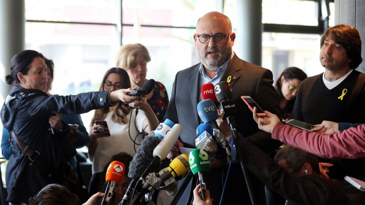La CUP anuncia una abstención que permitirá a Quim Torra ser elegido presidente de la Generalitat.Después del apoyo de ERC y Jordi Sánchez, ayer fueron Òmnium y PDECat quienes avalaron a Elsa Artadi
