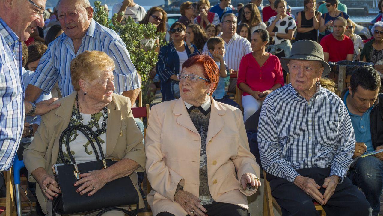Emotivo homenaje en Corme a dos niños de la localidad que murieron en Guernica en 1937