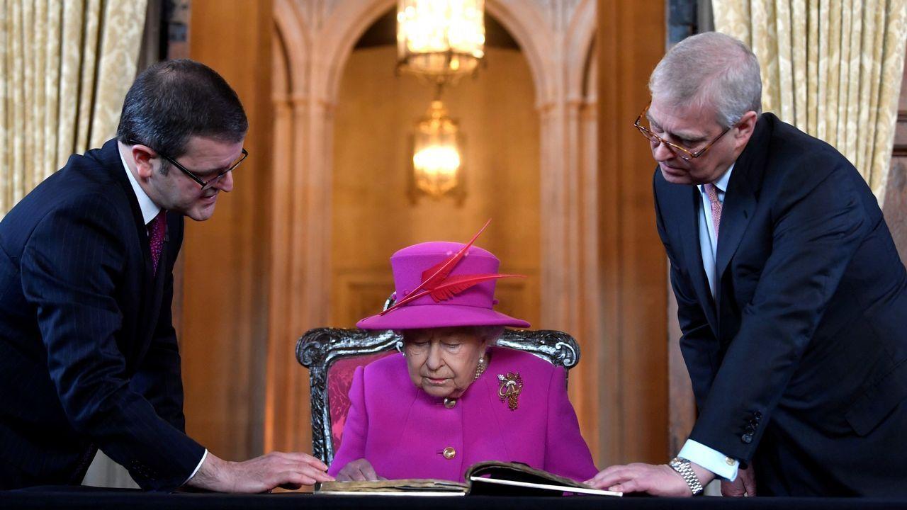 Operación salvar a la reina. El Gobierno británico ha reactivado un protocolo para rescatar y evacuar a la reina Isabel II y la familia real en caso de disturbios por el «brexit».