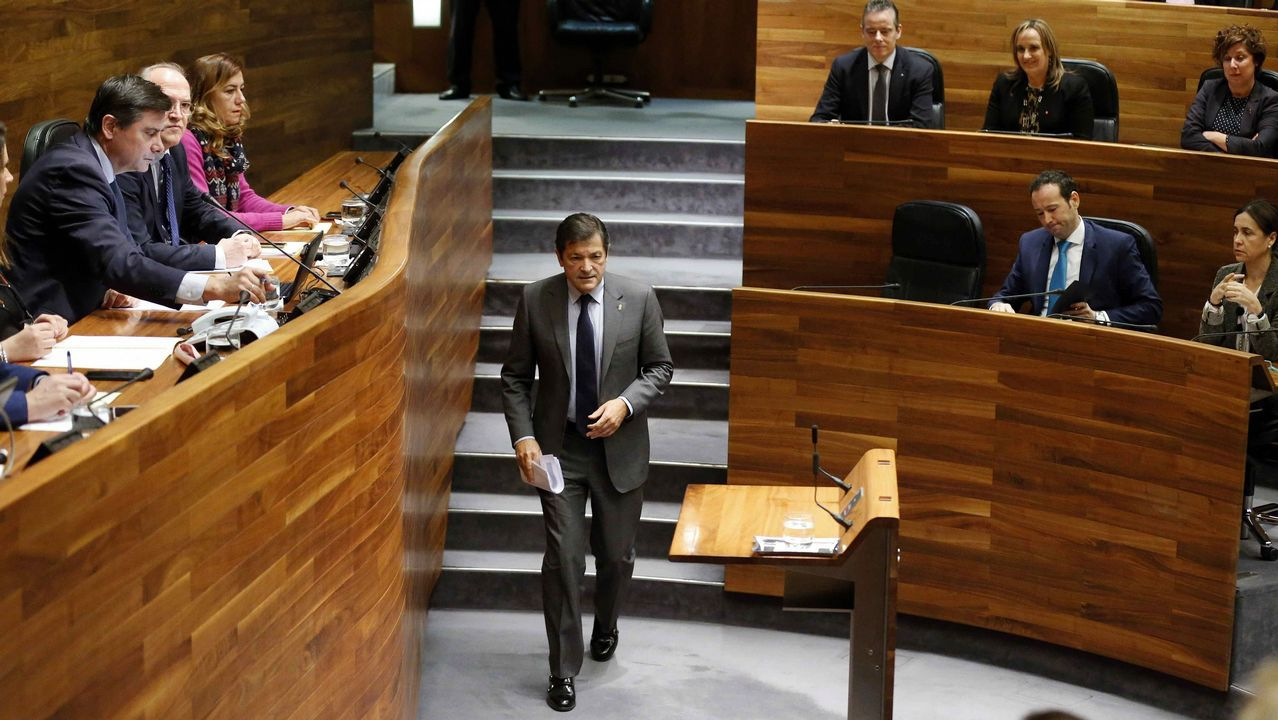El presidente del Principado, Javier Fernández, durante su intervención en la primera jornada del debate de orientación política general que se celebra en la Junta General del Principado.