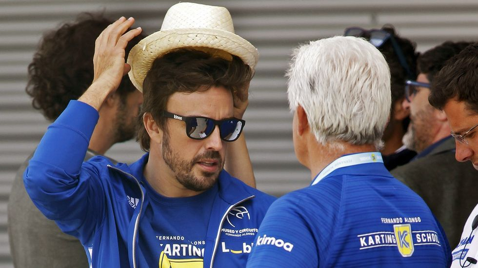 Fernando Alonso y su padre, en Asturias