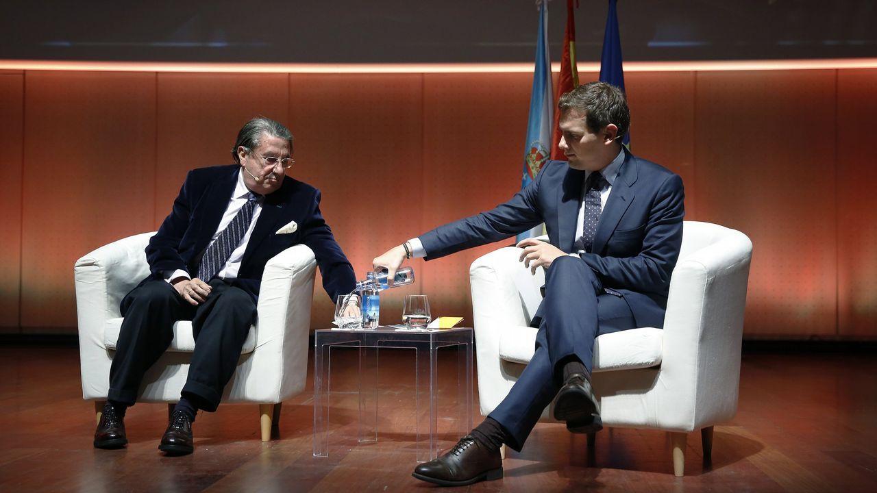 El Congreso vota hoy a favor de iniciar la transferencia de la AP-9 a Galicia.Vázquez y Rivera, juntos hace un mes en A Coruña