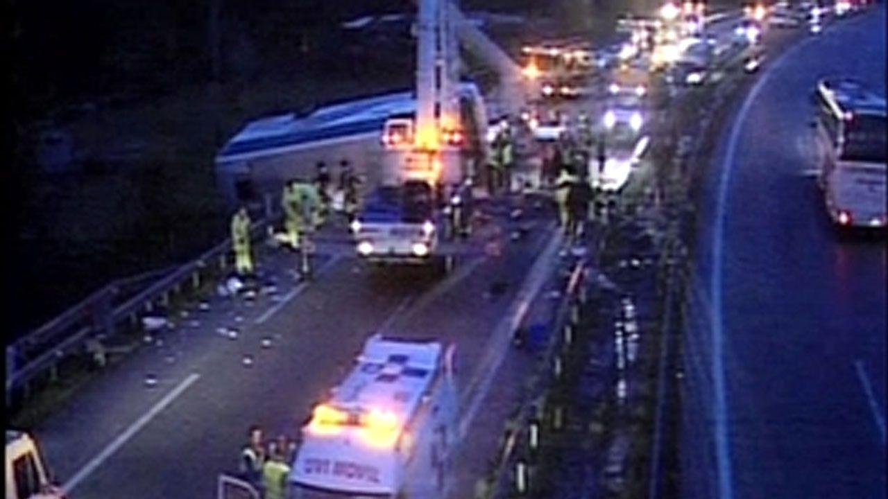 .Accidente de un autobús de scouts gijoneses en Pola de Lena, en 2006