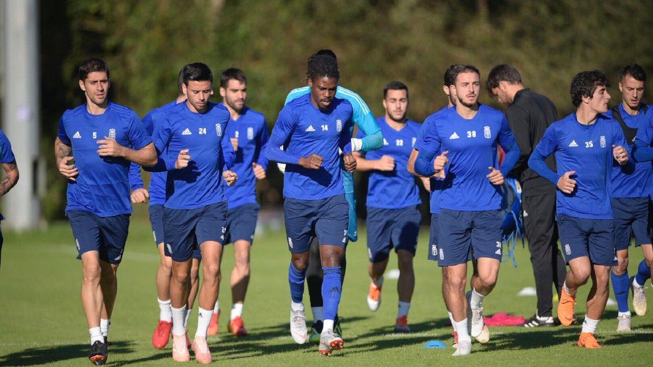 Jugadores del Oviedo en un entrenamiento
