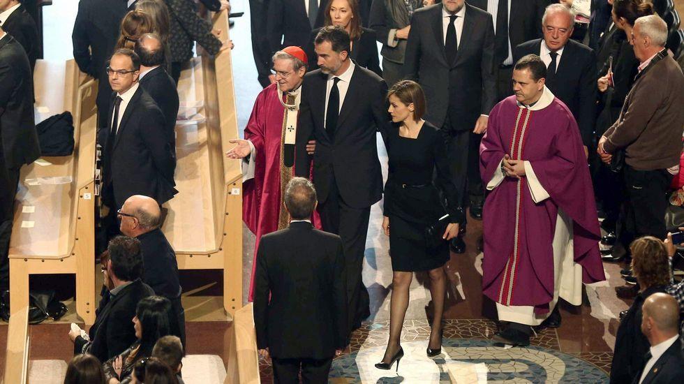 El funeral en Barcelona, en imágenes.García Alcón estará mañana en la Academia de Medicina.