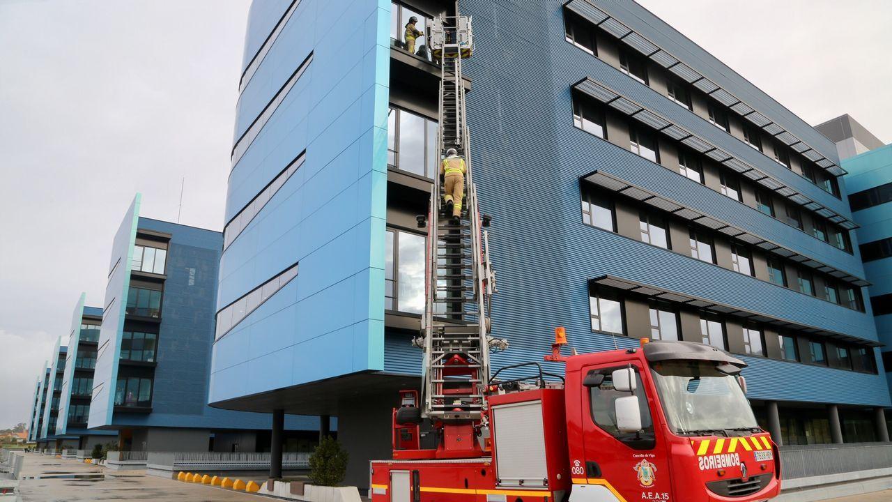 Bomberos al rescate en el Cunqueiro.INcidentes de Félix en Vigo