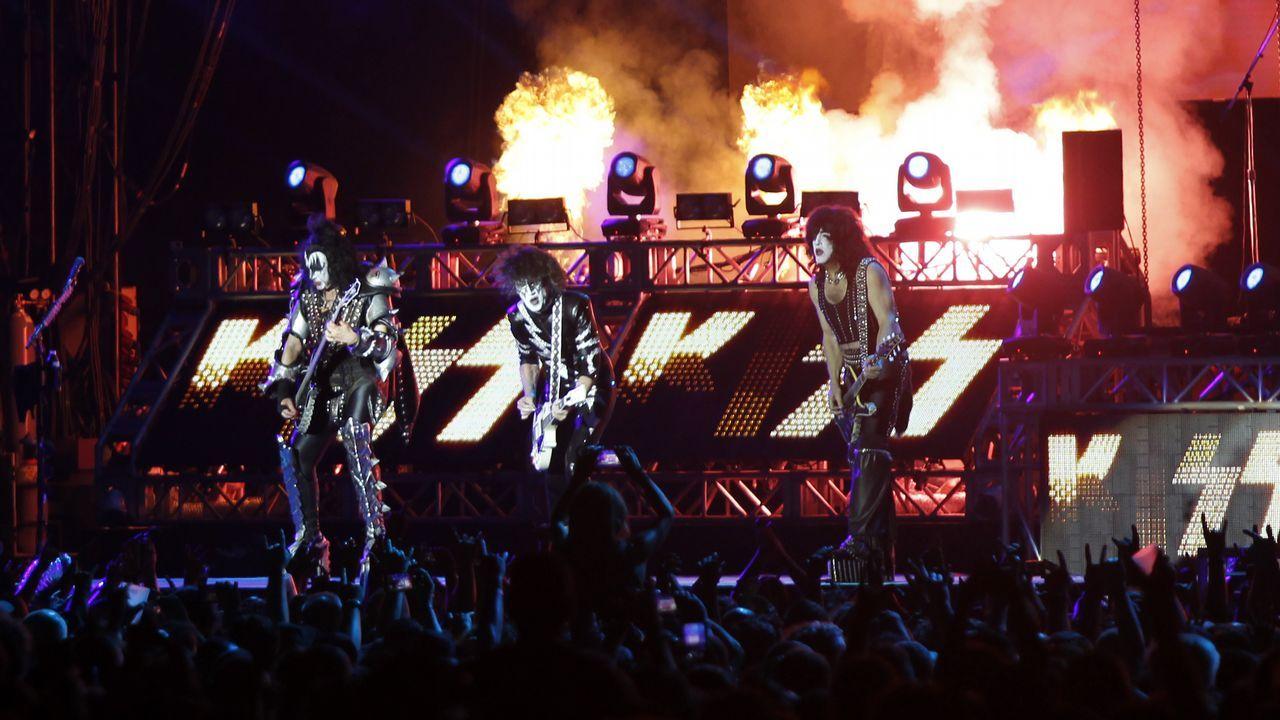 Kiss desató pasiones en el Resu de Viveiro.Eddie Vedder durante concierto de su banda Pearl Jam en el festival NOS Alive, en Portugal