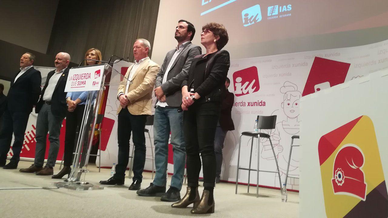 Entrevista a Carmen Moriyón, candidata de Foro a la presidencia del Principado.Los candidatos de Asturias por la Izquierda rodean a Alberto Garzón en el mitin celebrado en Gijón