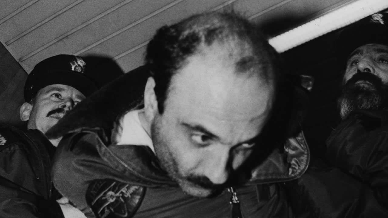 La Guardia Civil detiene al «loco del chándal» por intentar matar a dos hermanas sexagenarias.El violador del estilete en Oviedo