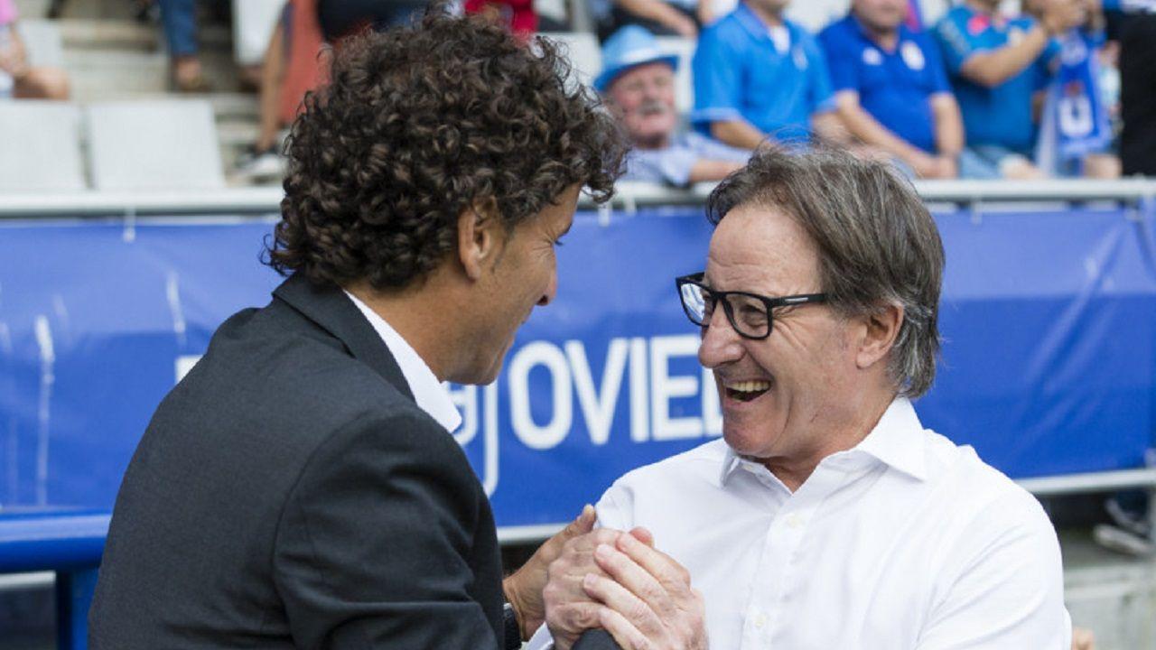 Anquela Imanol Idiakez Real Oviedo Zaragoza Carlos Tartiere.Anquela saluda a Idiakez antes del encuentro