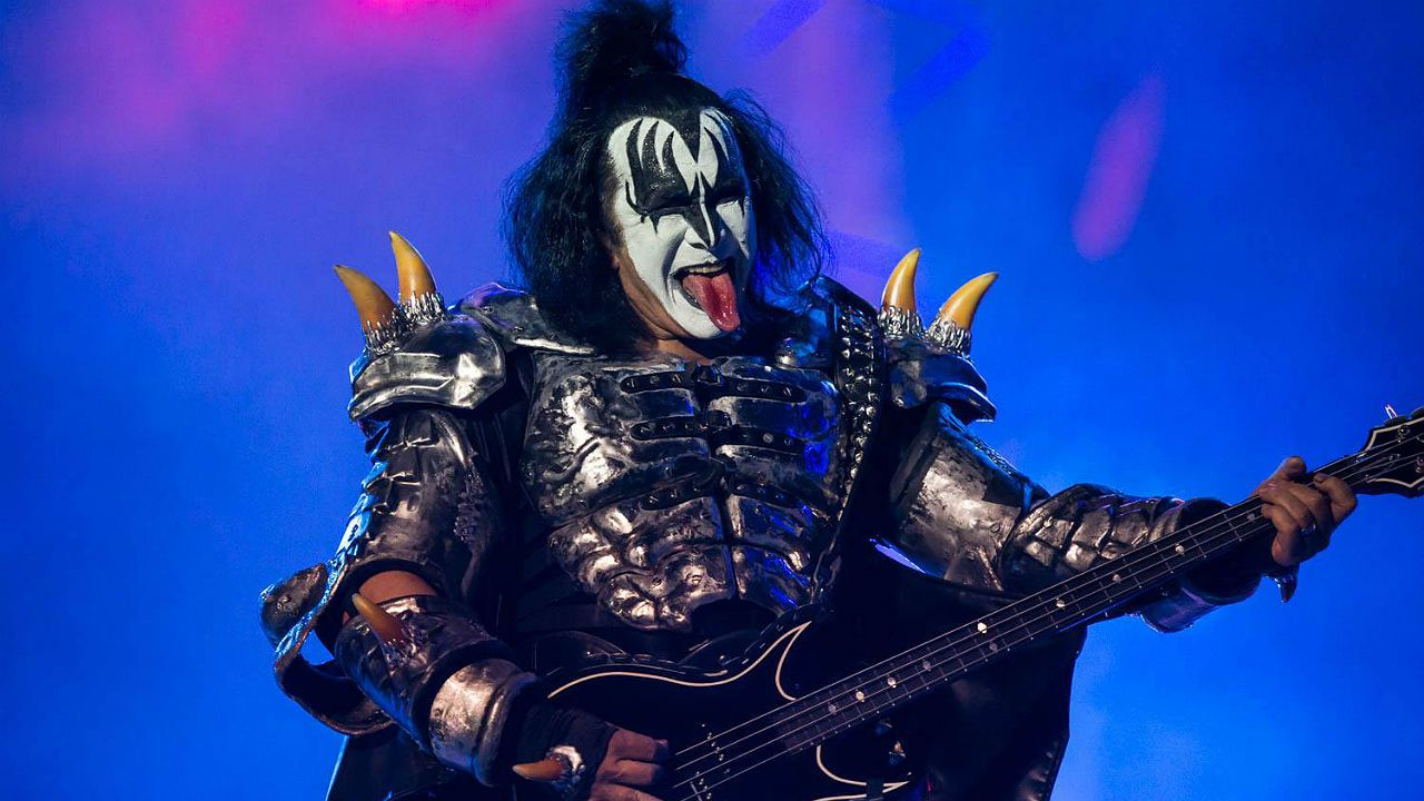 Gene Simmons, del grupo Kiss, en el festival Monsters Of Rock 2015, en São Paulo (Brasil). Los rockeros están en el cartel de Resurrection, en Vivero (Galicia), y Rock Fest Barcelona