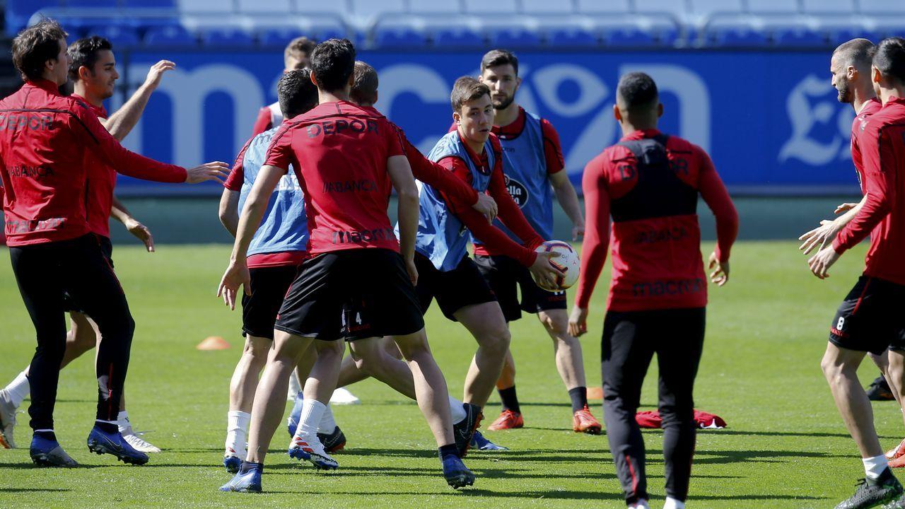 Las imágenes del partido entre Peixe Galego y Villarrobledo.Los jugadores del Oviedo celebran el 1-0 al Numancia