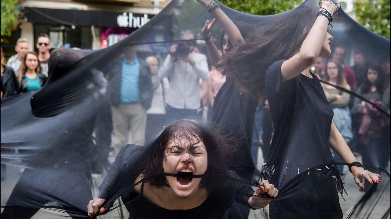 Mujeres durante una protesta contra el acoso sexual en Kosovo