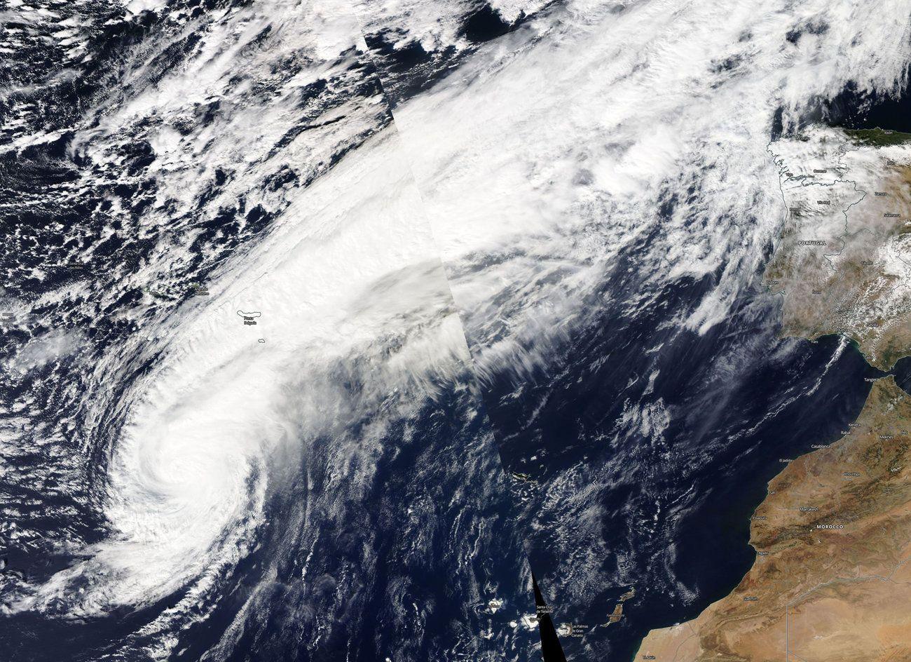 Los lameiros de Pedrafita.El huracán Leslie a las puertas de la Penínusla en octubre del 2018
