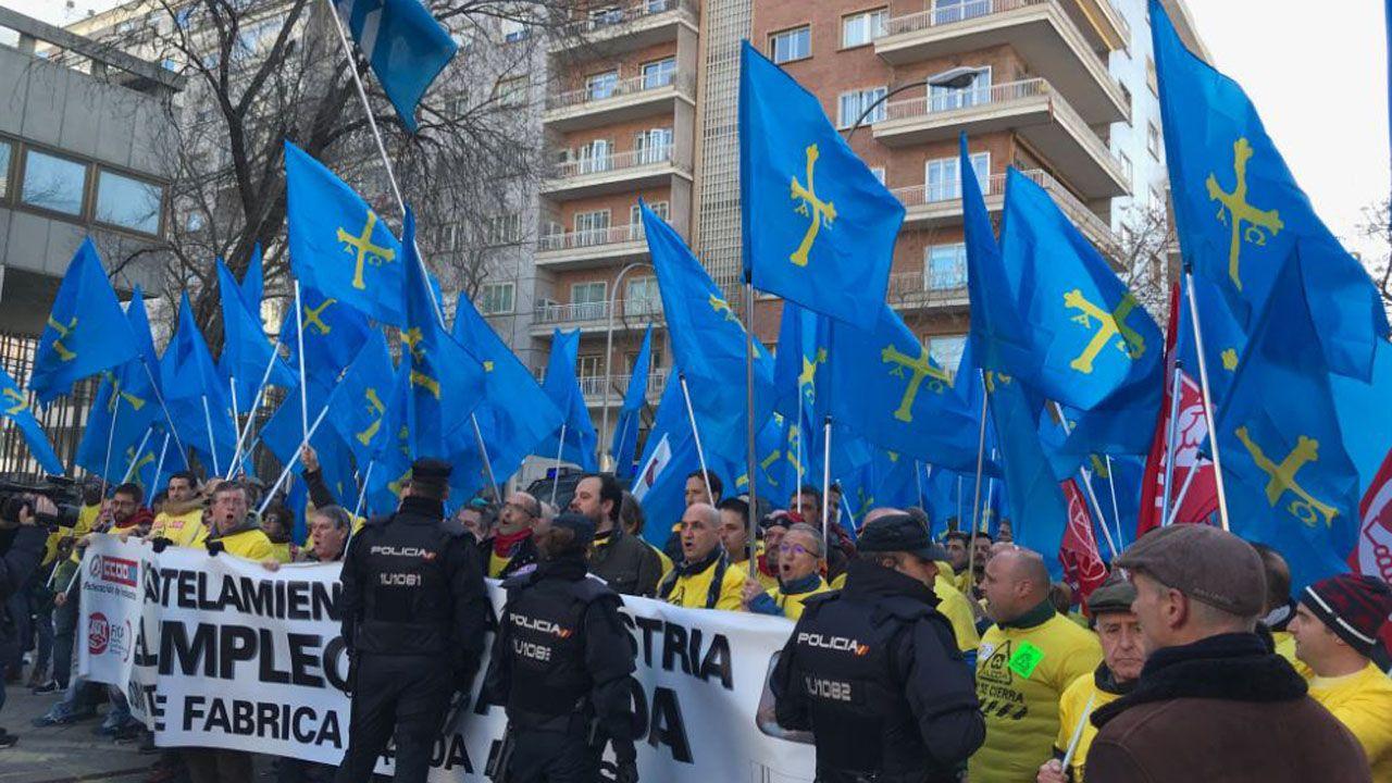 Una multitudinaria marcha por Alcoa toma Madrid.Registro en la sede de UGT Asturias