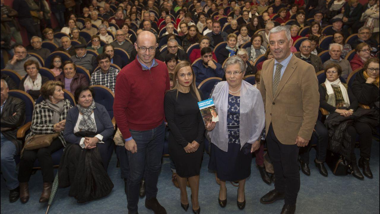 Matilde Vilariño abarrota el auditorio con sus «Poemas que non foron ao lume»