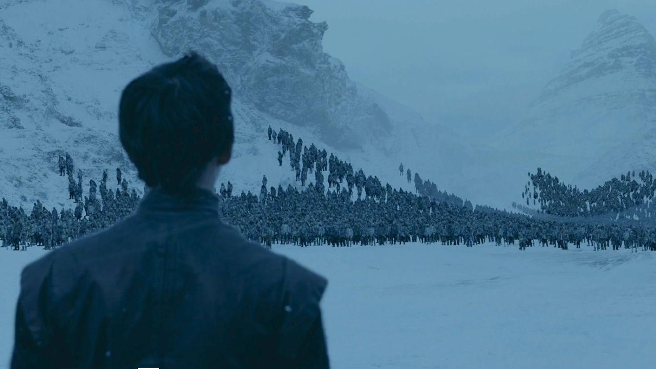 Así se creó el gran ejército de caminantes blancos sobre la nieve.