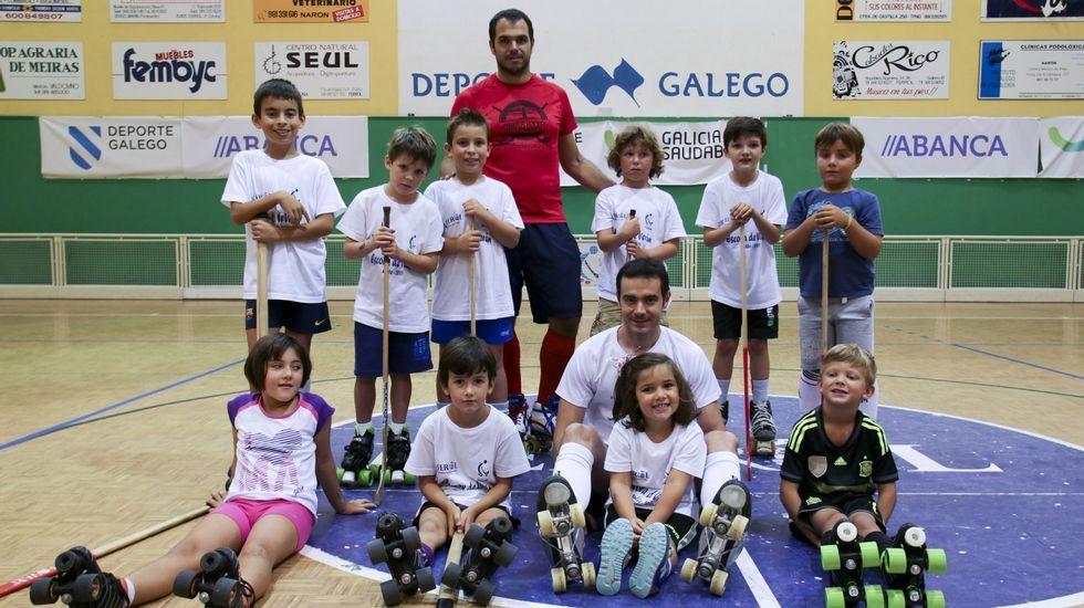 .Las actividades del CM Hockey Ferrol se desarrollan en el pabellón del Ensanche