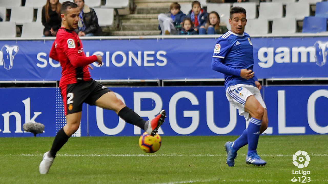 Comparecencia de Anquela en la previa a la visita a Riazor.Saúl Berjón en el Real Oviedo-Mallorca