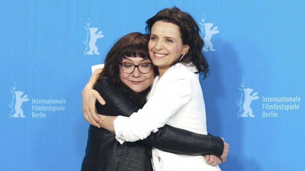 La actriz Juliette Binoche y la directora Isabel Coixet, en la inaguración de la Berlinale.