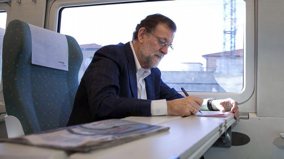 Rajoy, durante un viaje a Zamora en tren.