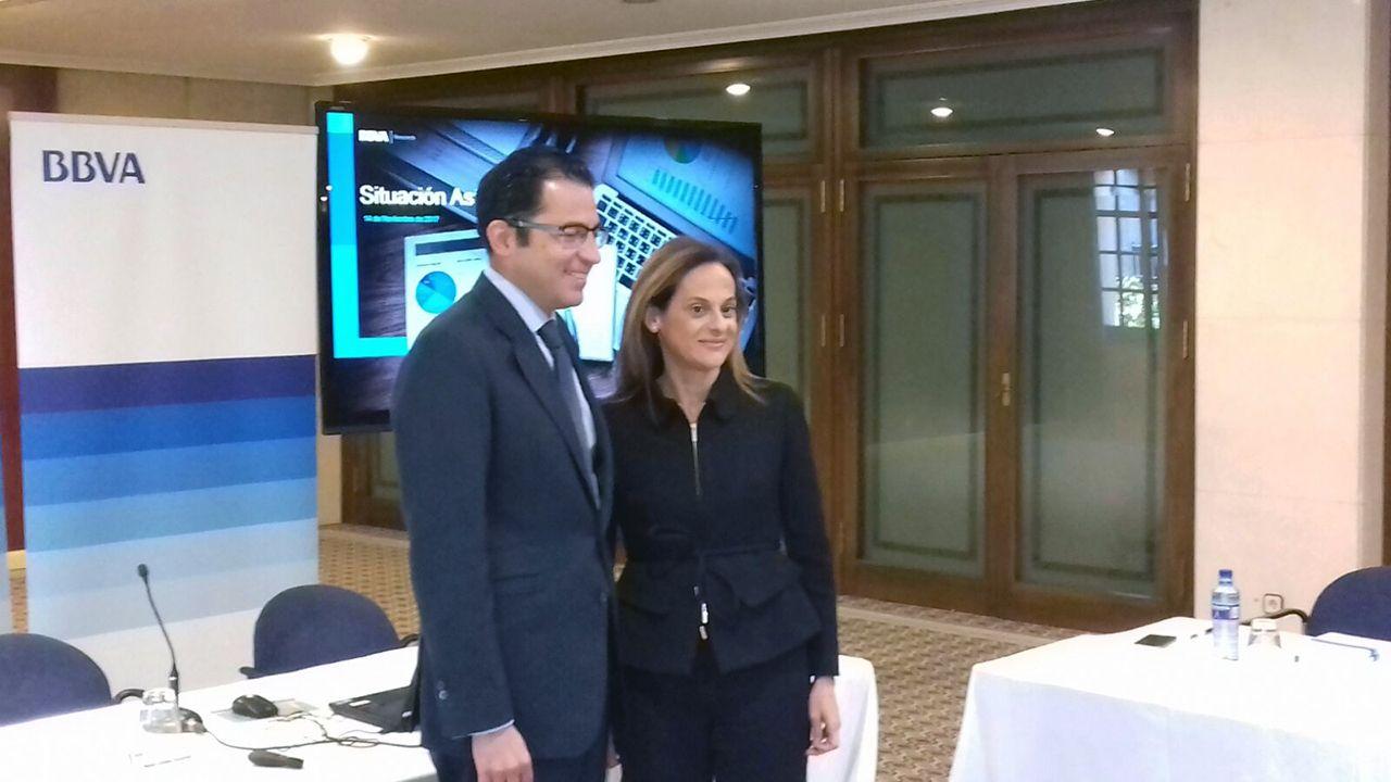 Miguel Cardoso, economista jefe para España de BBVA Research, y Yolanda Martínez-Bajo, directora territorial Noroeste de BBVA
