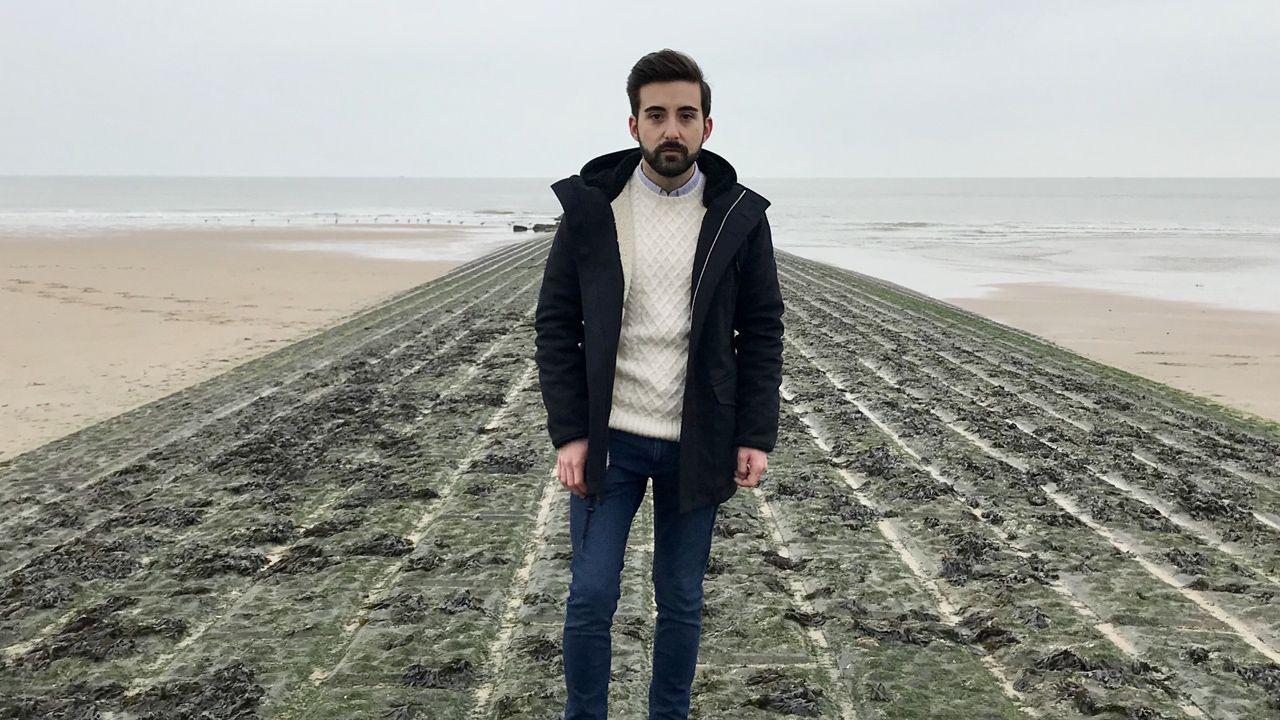 Diego Pérez Merino en la playa de Knokke (Bélgica)
