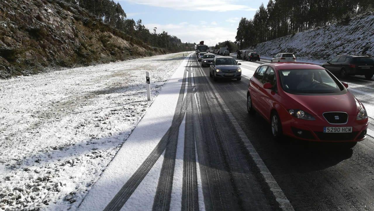 Autovía entre Noia y Santiago a la altura de Lousame