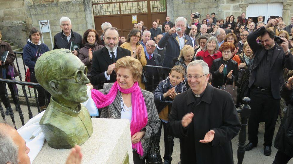 Inauguración en abril del 2016 de un monumento al padre Esteban Martínez