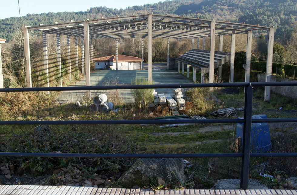 .La obra ilegal promovida por Alberto Pardellas lleva años pendiente de ser demolida.