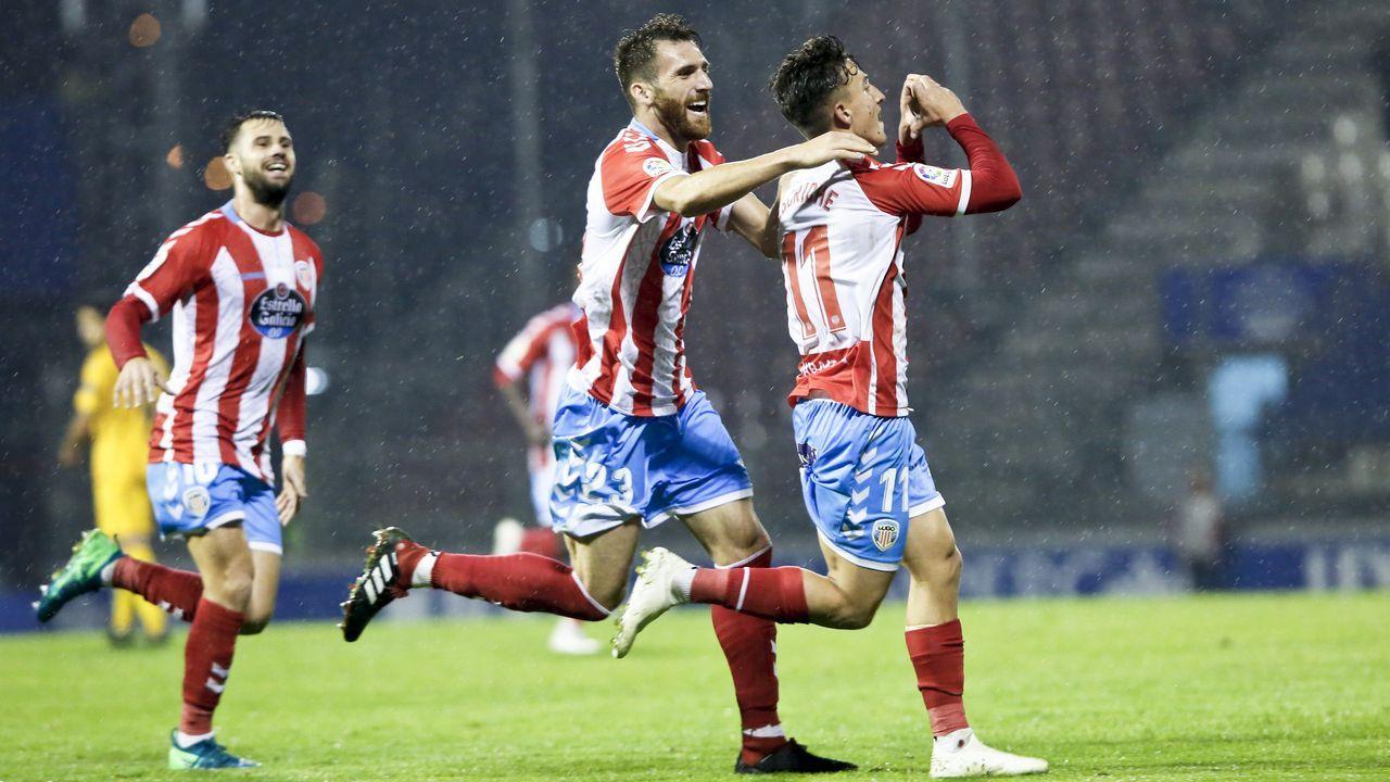 ¡Las mejores imágenes del partido de Copa del Rey entre Noia y O Parrulo!.Adrián López en su etapa en el Oporto