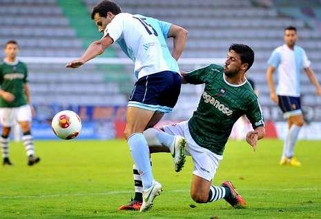 Iván Forte es un medio centro defensivo que destaca por su fortaleza física.
