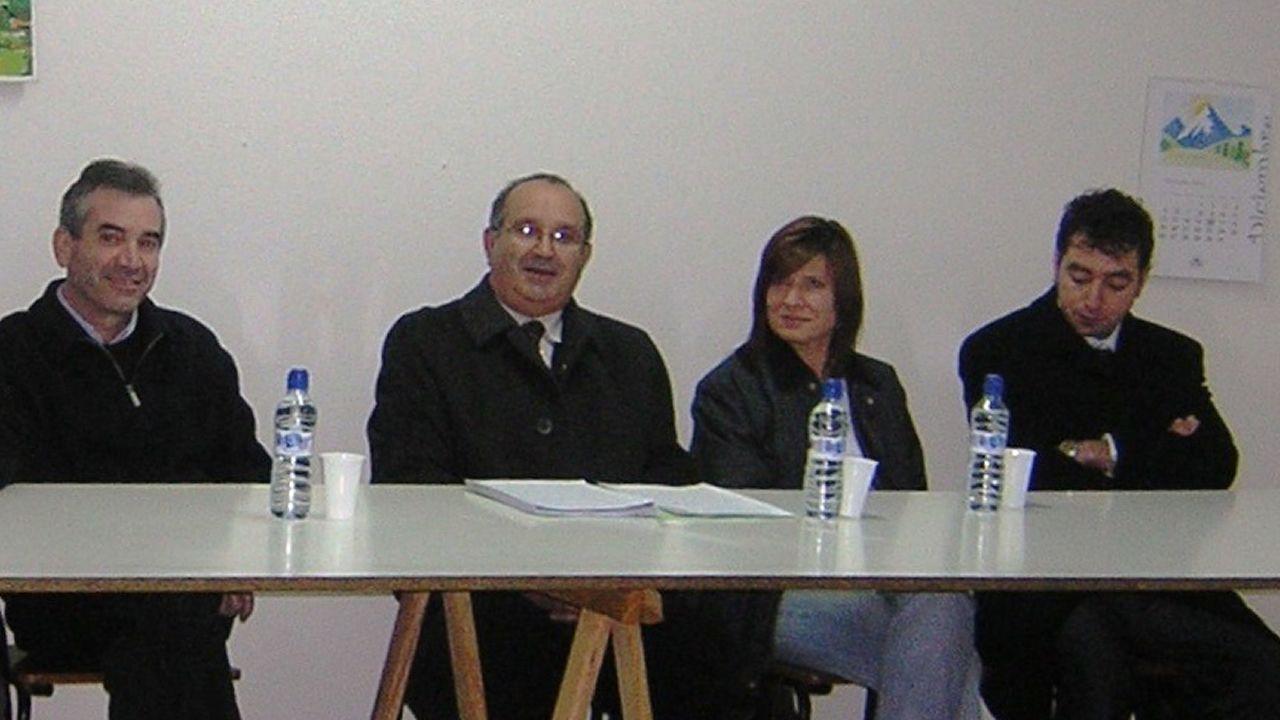 .Imagen de archivo de un mitin en Mondego en la que están Emilio Gómez (PDSP), Ramón Rodríguez Ares (PDSP), Mar Fernández Linares (Ciudadanos) y Marcos López Mallo (PP).
