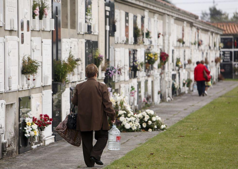 El cementerio municipal de Catabois cuenta con más de 16.000 tumbas y nichos