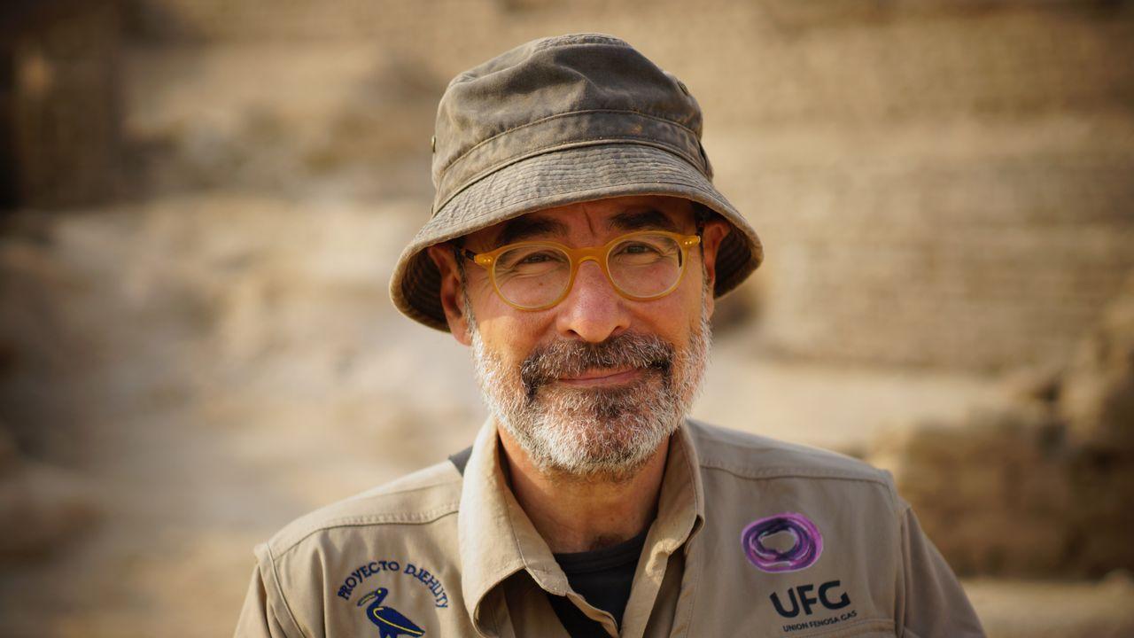 En la imagen, José Luis Serrano, retratado en las excavaciones de la necrópolis de Tebas, donde trabaja desde hace ya diecieséis años.