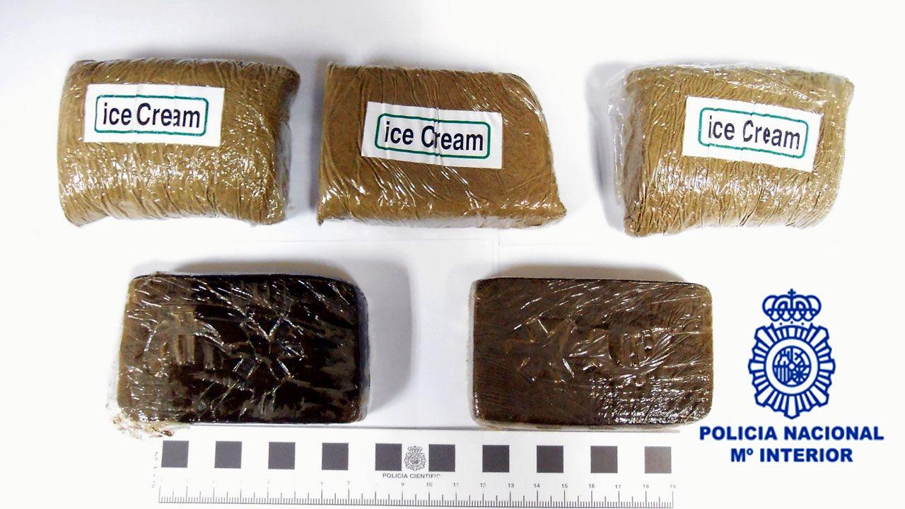 En directo y en streaming, el juicio del procés.Los cinco paquetes de hachís que ocultaba en su ropa el detenido en El Llano