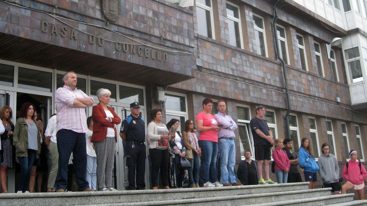 .Minuto de silencio convocado por el concello en Vilalba, Lugo
