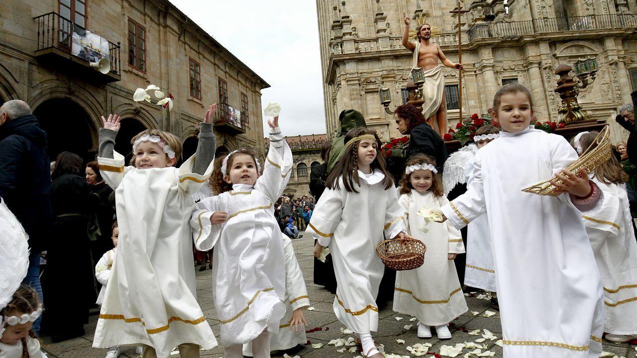 Así se vive en Compostela la Semana Santa.