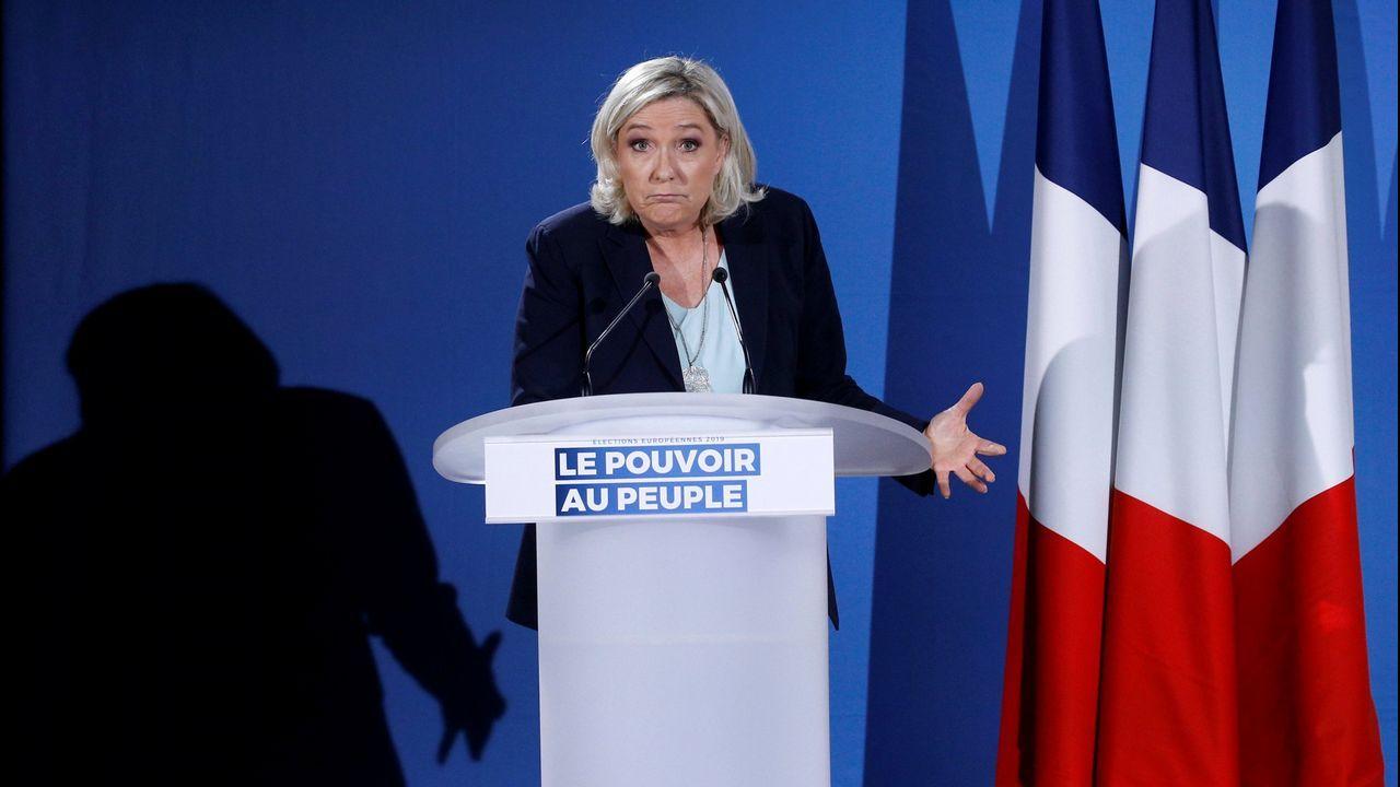 | EFE.La formación capitaneada por Marine Le Pen se haría con el 22 % de los votos, pasando de los 15 a los 21 escaños, y sería por peso el cuarto partido con más presencia en el Parlamento Europeo.