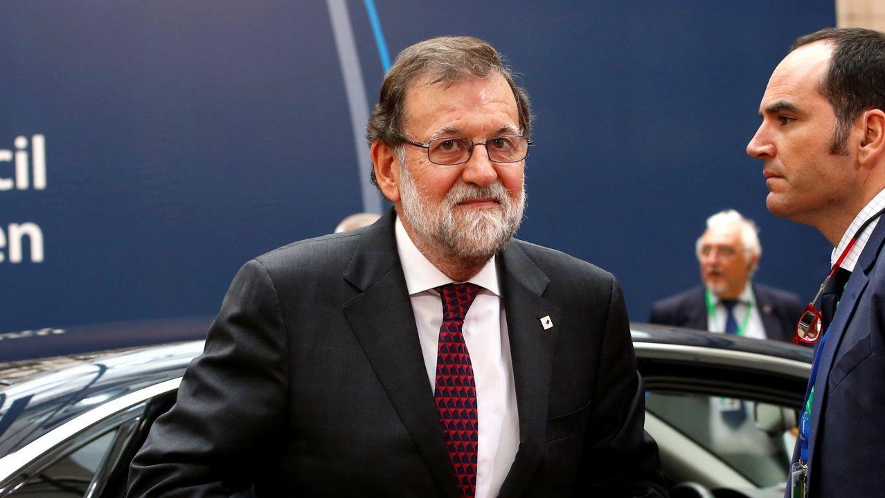 El Senado ofrece a Puigdemont un debate con el Gobierno.Pedro Sánchez y Miquel Iceta en una foto de archivo
