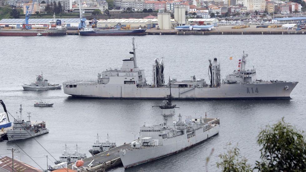 .El «Patiño» zarpando de Ferrol a una misión