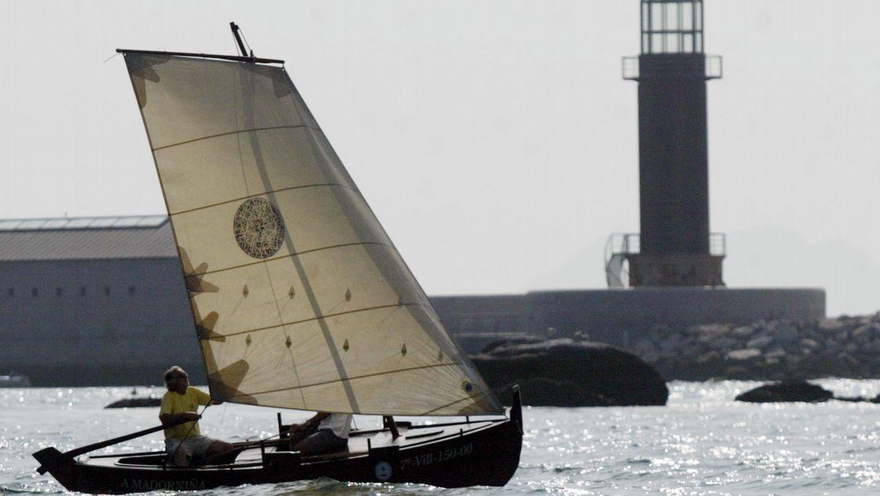 .Una embarcación tradicional en la ría de Vigo, donde tienen en Bouzas una marina exclusiva