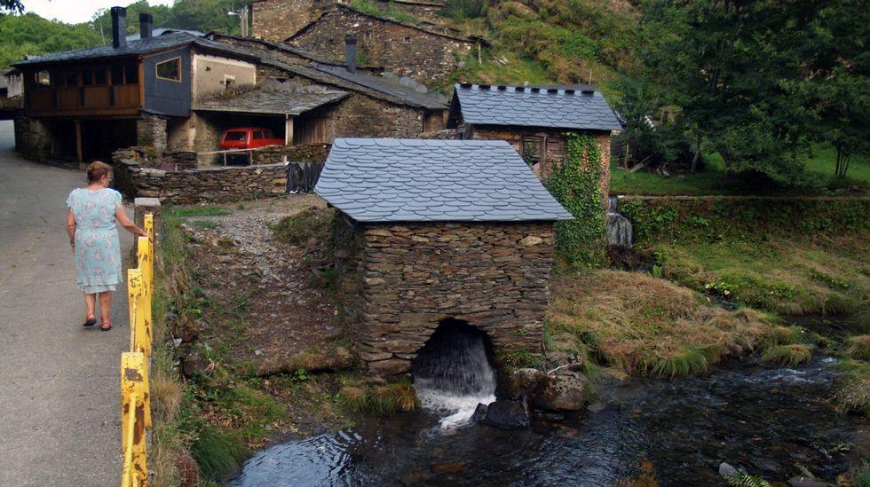 A aldea de Ferramulín é un dos lugares onde aínda poden verse muíños fariñeiros construídos coa técnica tradicional