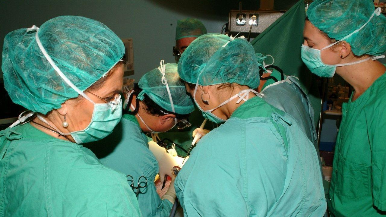 El HULA estrena técnica para eliminar con ondas el calcio de las arterias.Cientos de familias acudieron a Portugal a comprar la vacuna en el 2015