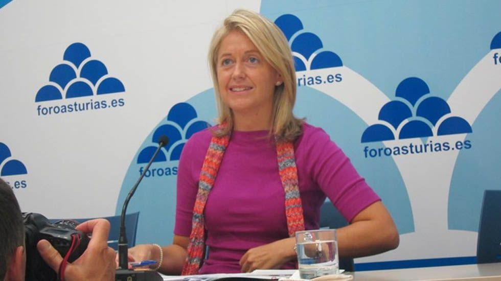 David Moreno preside el pleno del 20 de abril en Aller, en el que el Gobierno dejó de ser del PSOE.Cristina Coto